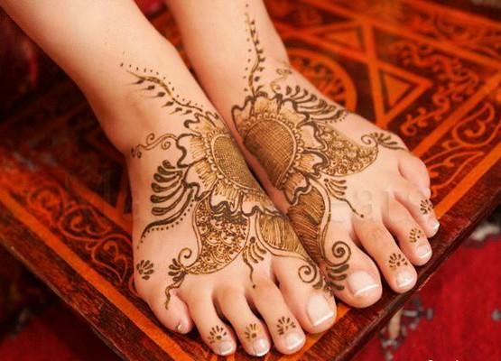 Mehndi Bridal Shoes : Beautiful mehndi style for feet fashion to life