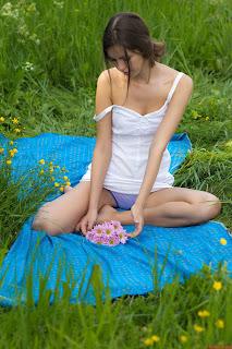Hot Girl Naked - 005.jpg