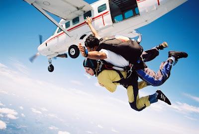 Sky diving tandem