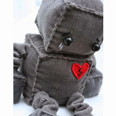 Gambar Boneka Sedih Galau Menangis Memendam Kesedihan