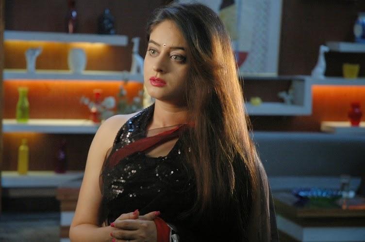 Mahi Vij as Aashna in Encounter of aspiring actress 'Aashna' on Sony