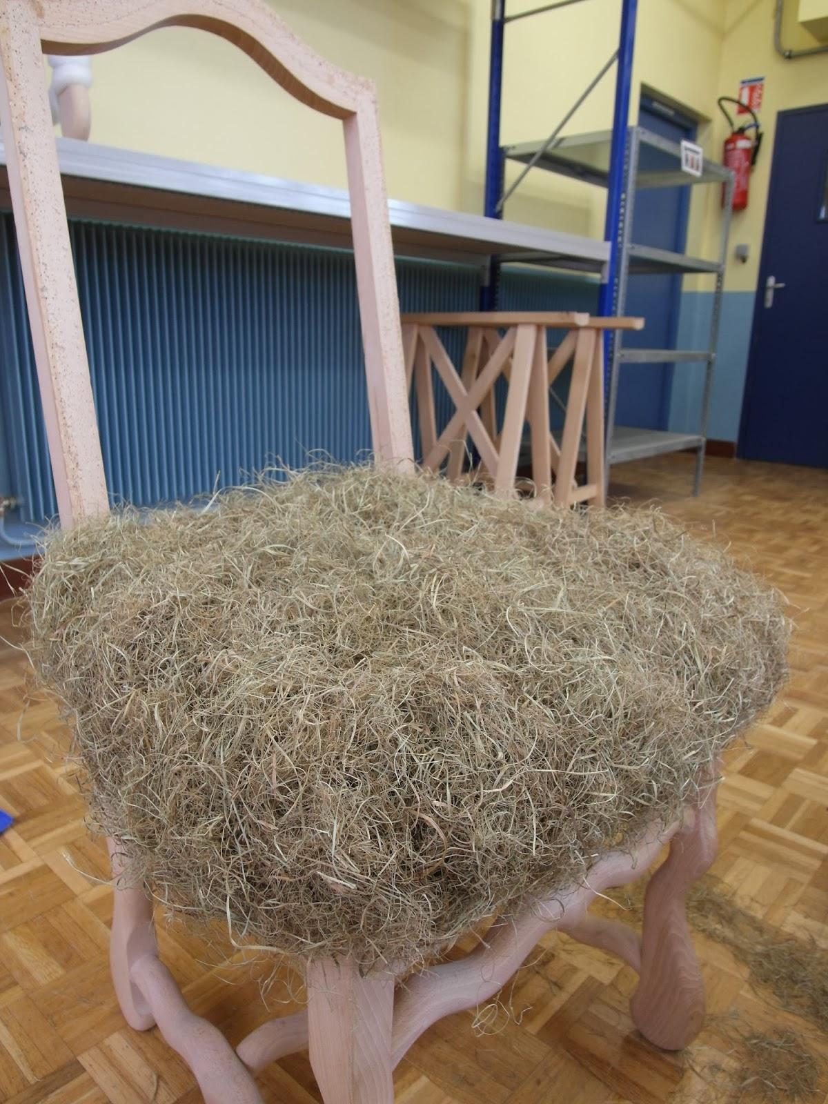 r nover une chaise louis xiii dans les r gles de l 39 art caf papote. Black Bedroom Furniture Sets. Home Design Ideas