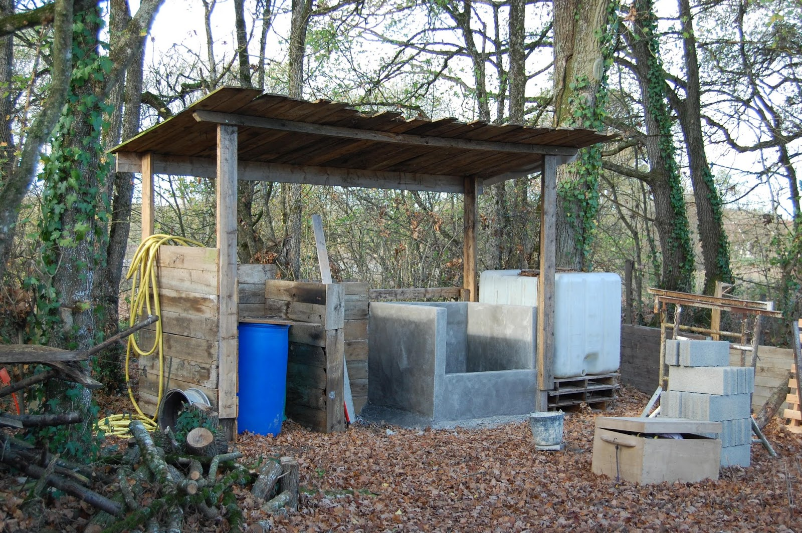 2013 une ann e entre paillenth se aire de compostage pour toilettes s ches 1 2. Black Bedroom Furniture Sets. Home Design Ideas