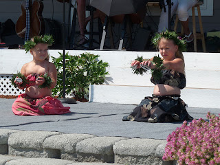 Next generation hula dancers, visiting keikis from CA