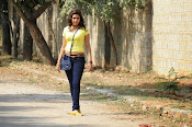 Komal Jha unseen photos gallery-thumbnail-17