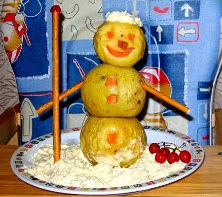 Снежен човек от печени ябълки