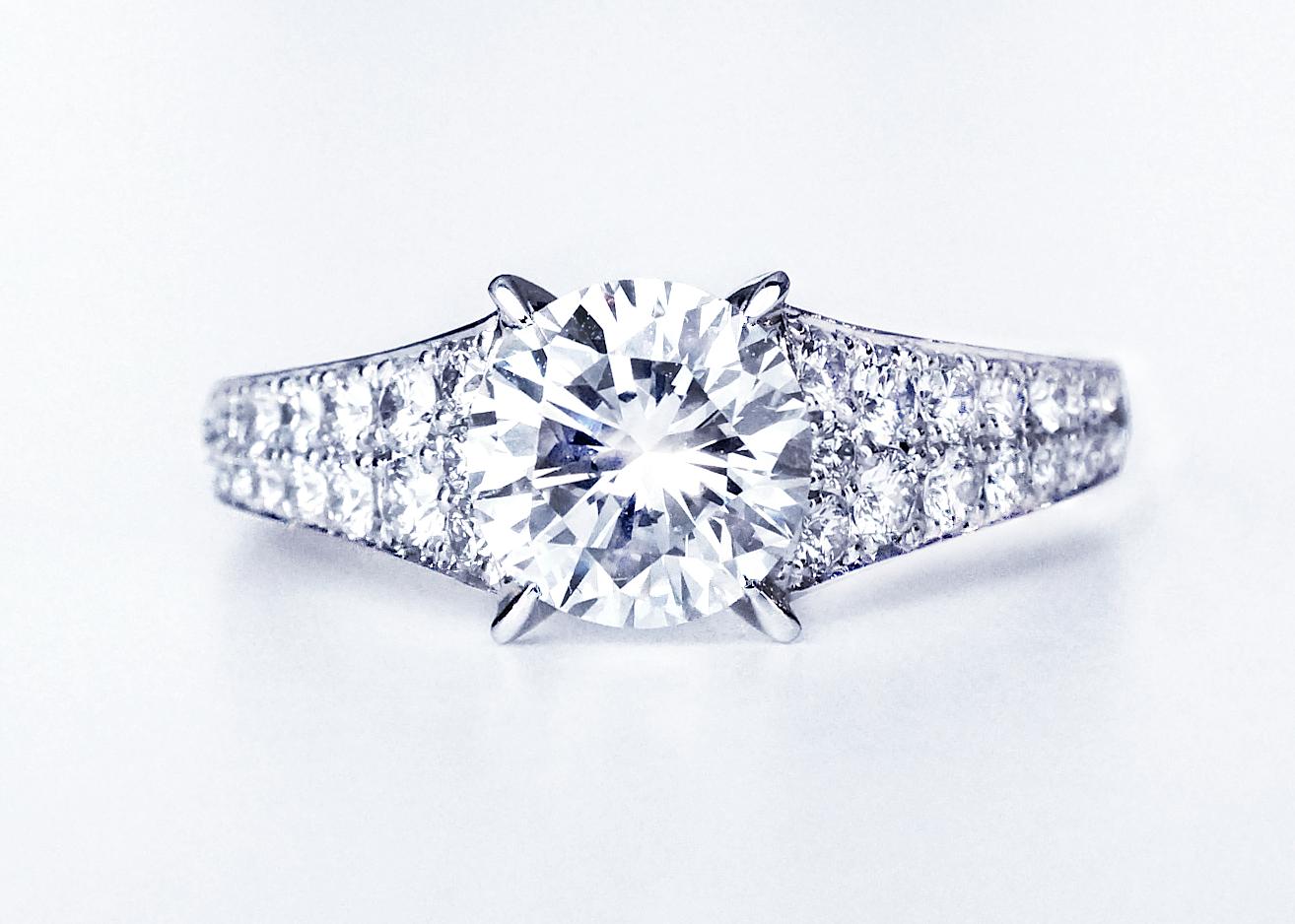 銀座ジュエリーサロンで世界で1つだけのリングを作る。