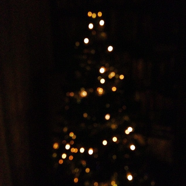 lights gold christmas tree