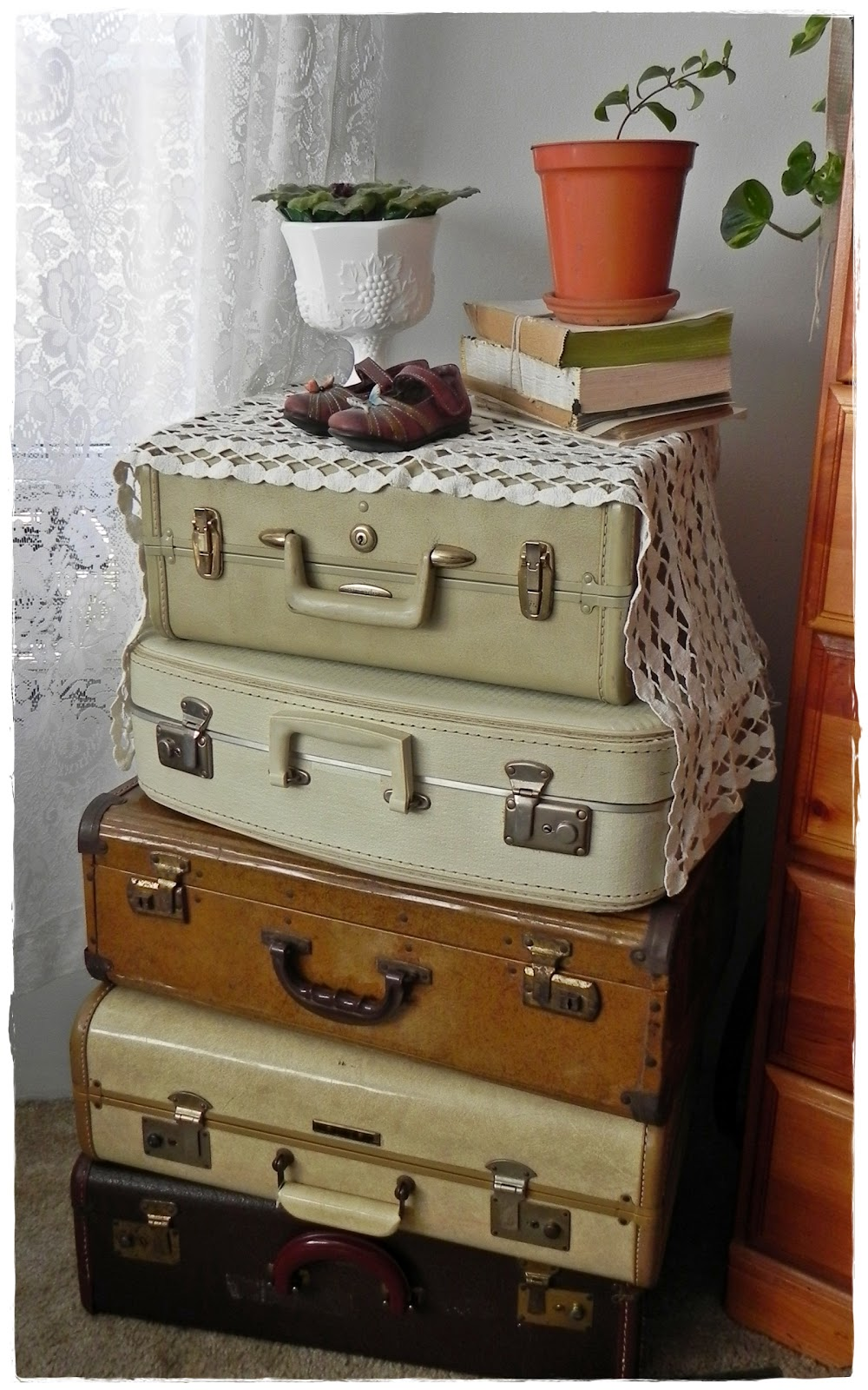 Luggage With Drawers 152 Best Suitcase Images On Pinterest Vintage Luggage Vintage