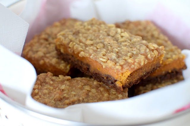 Halloween Pumpkin Streusel Bars Recipe