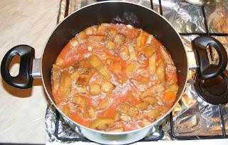 preparare tocanita de vinete, preparare mancare de vinete, preparare tocana de vinete si legume, retete culinare, retete de mancare, retete de post, cum facem tocanita de vinete, cum facem mancare de vinete,