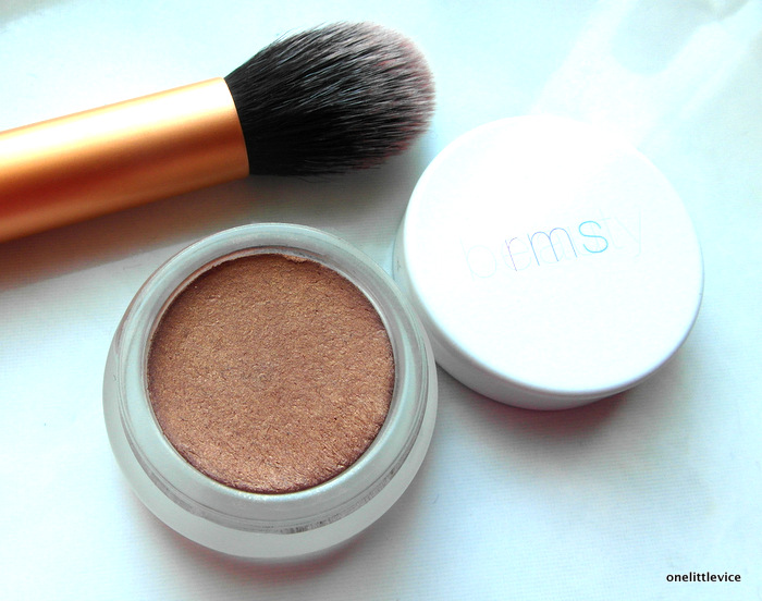 How to apply RMS Beauty Buriti Bronzer