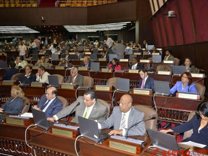 Legisladores del PLD descartan interpelar al Procurador