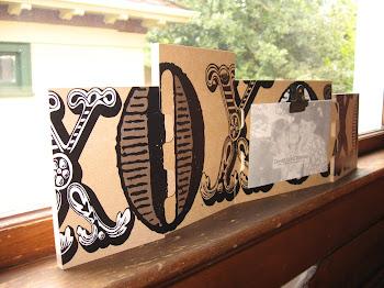 Super cute XOXOX puzzle frame