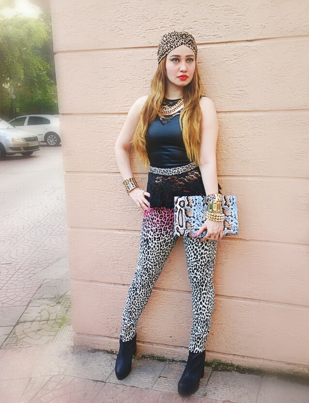 Forever 21 leopard print ombré skinny jeans & jane Norman Leather Peplum Top