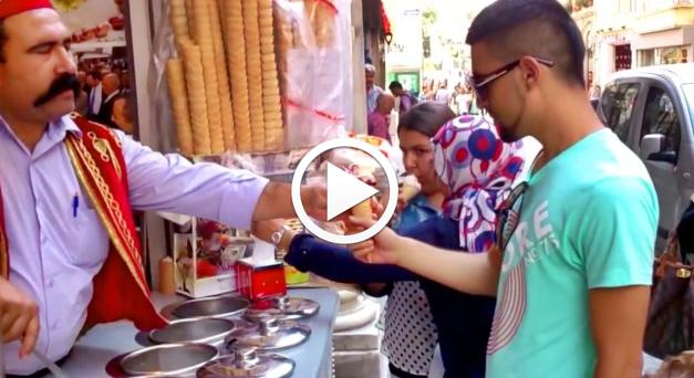 Kenakalan Penjual Aiskrim di Turki