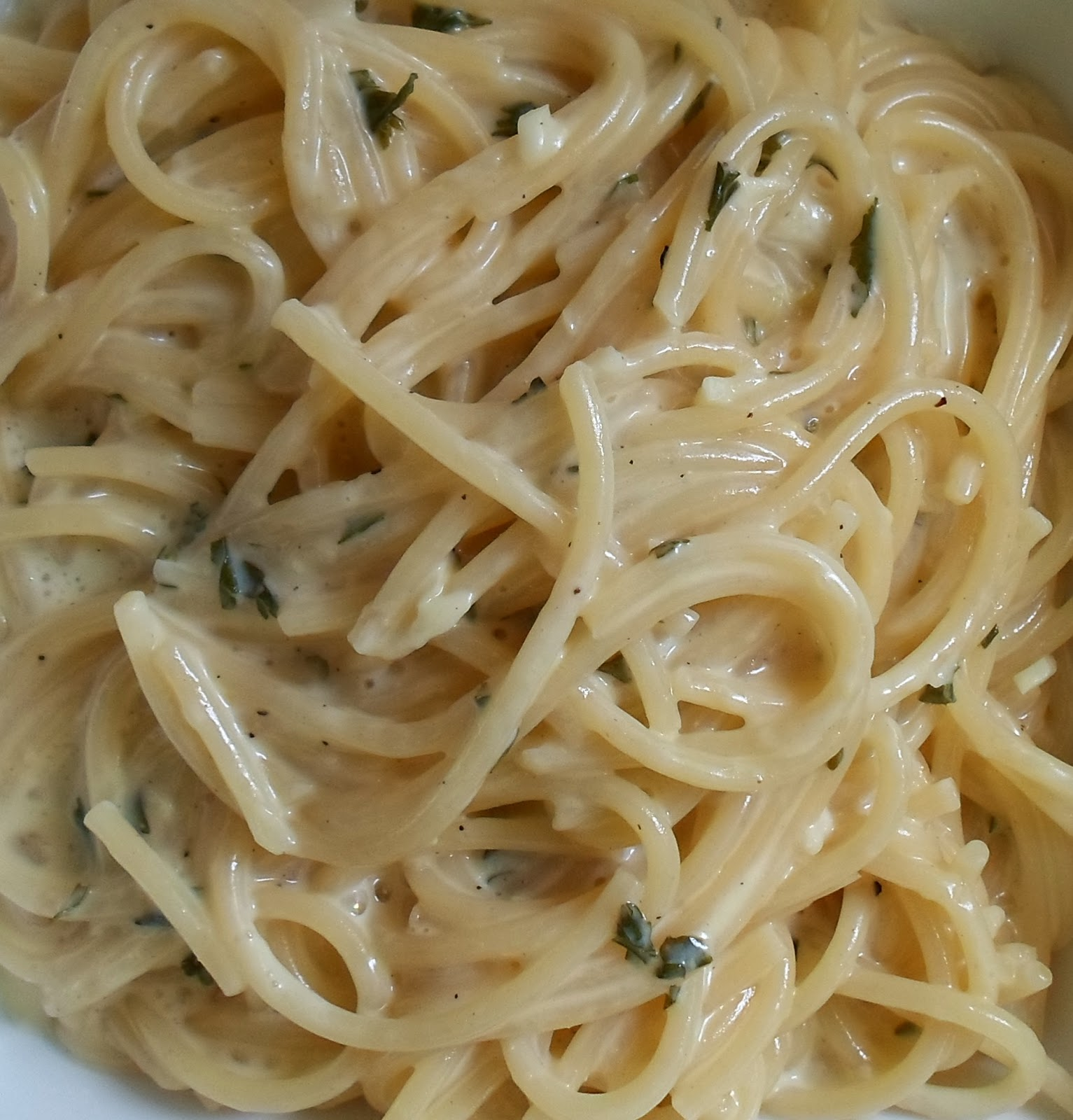 Happier Than A Pig In Mud: Creamy Garlic Noodles