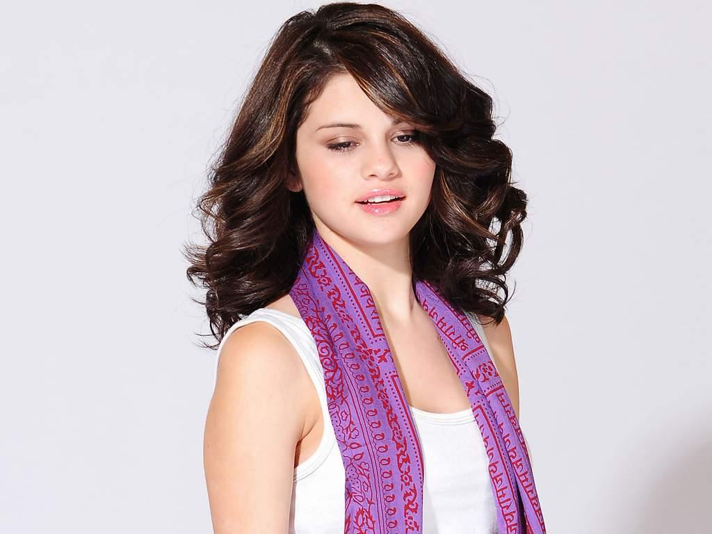 http://3.bp.blogspot.com/-0_chM83fNWo/USZZYiES3LI/AAAAAAAAADQ/lzlA19l4SDw/s1600/Selena+Gomez+hd+wallpapers+8778.jpg