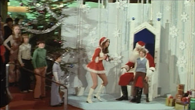 Santa gets it in Rabid, New World Pictures 1977