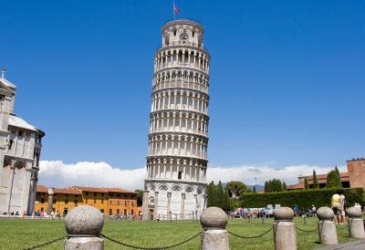 La famosa Torre de Pisa, en Italia