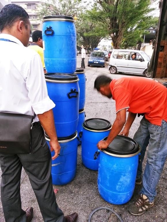 Tong Simpanan Air Untuk Buat Simpanan Air