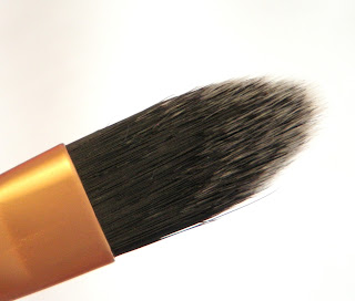 Real Techniques core collection - Pointed Foundation Brush.
