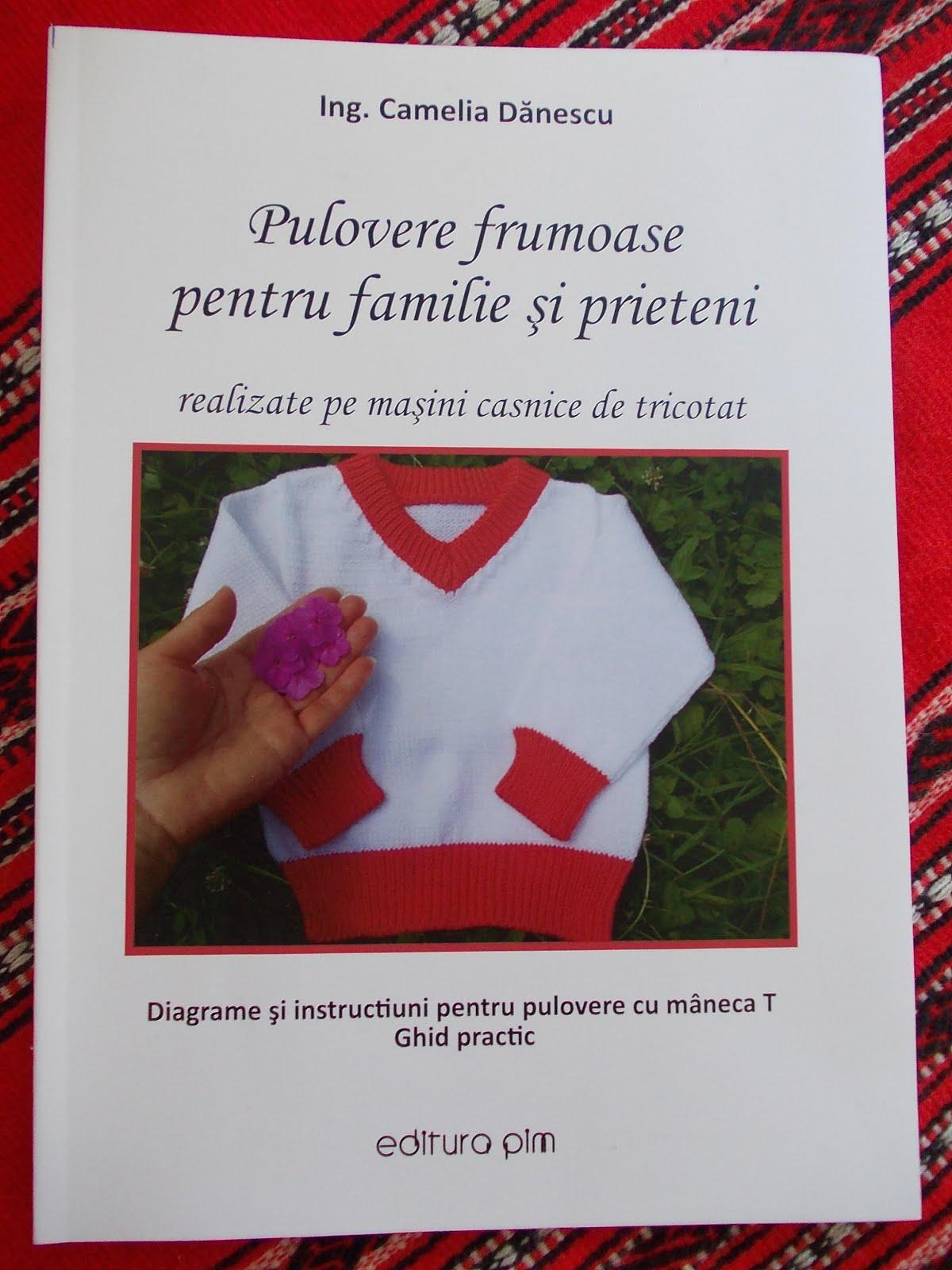 PRIMA CARTE DIN ROMANIA destinata special lucrului pe masini casnice de tricotat