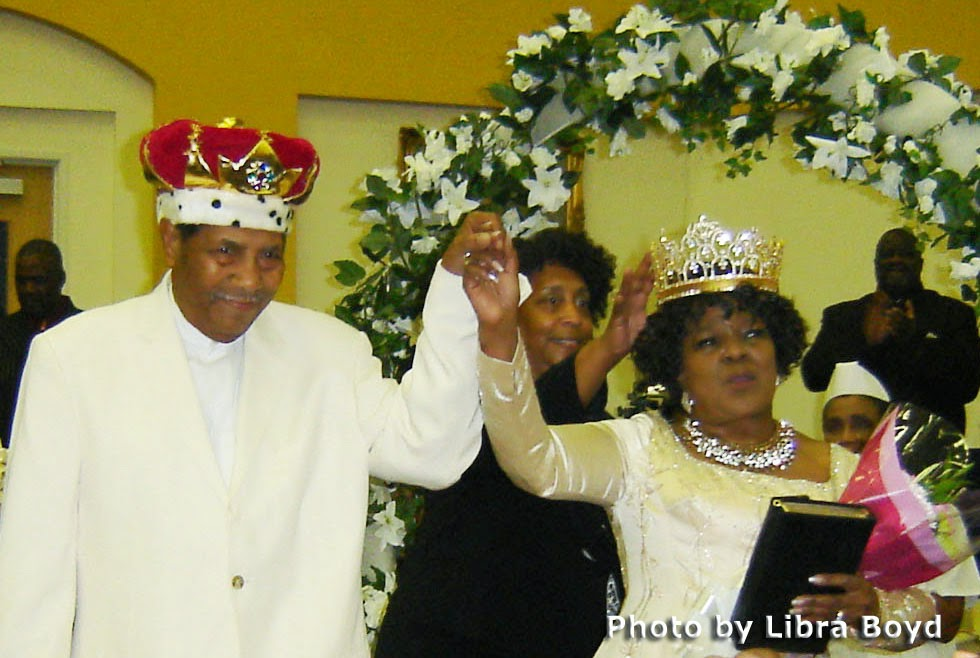 pastor shirley caesar age