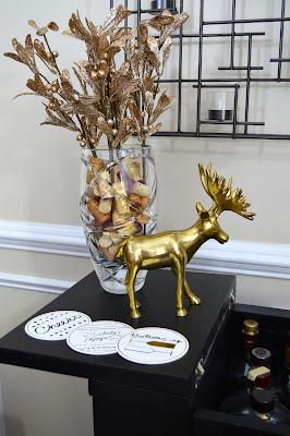 holiday-bar-decorations