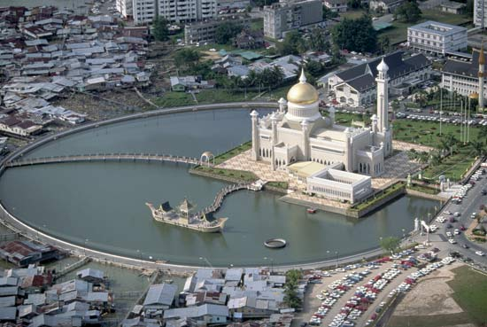 Bandar Seri Begawan Brunei  city pictures gallery : Bandar Seri Begawan, Brunei – Travel Guide | Tourist Destinations