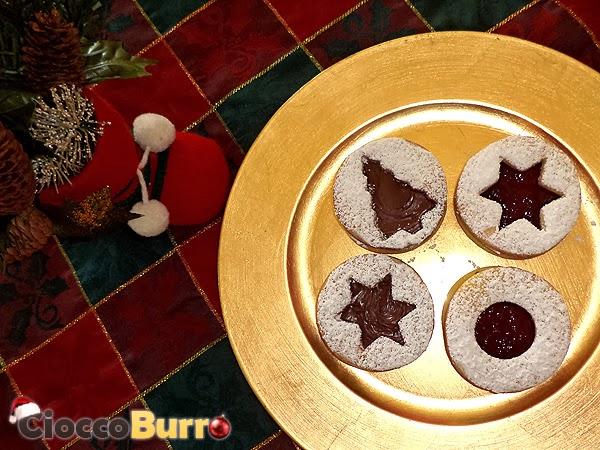 biscotti occhio di bue natalizi