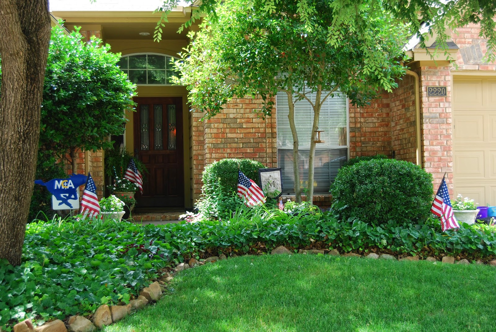 momfessionals come on in yards and outdoor spaces