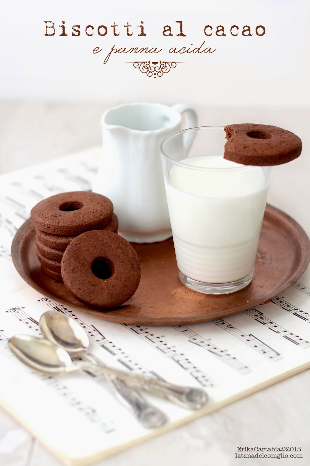 biscotti al cacao e panna acida