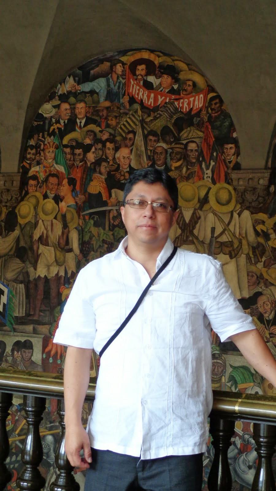 Admirando la Obra de Diego Rivera