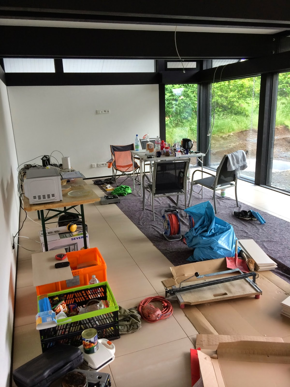 huf haus in gie en 2 woche fliesenleger. Black Bedroom Furniture Sets. Home Design Ideas