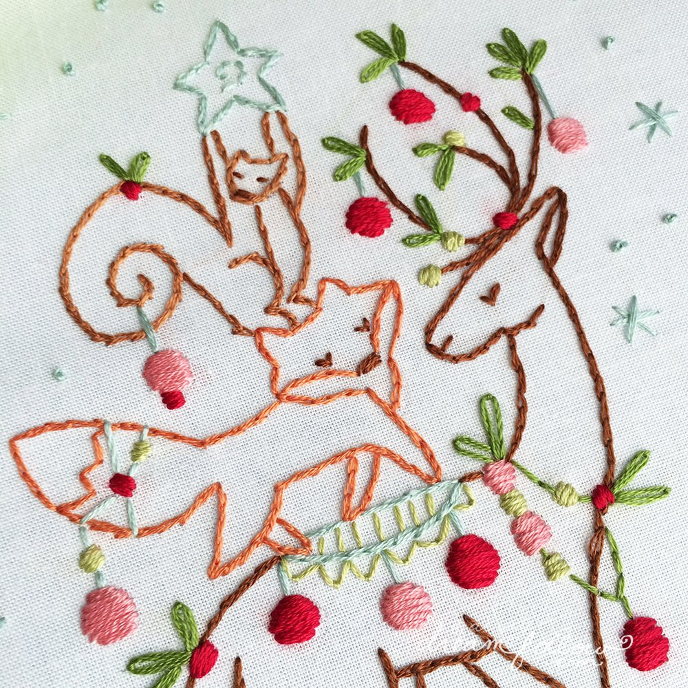 Little dear tracks free christmas pattern i like this one a lot i hope you do to its my early christmas gift to you well one of them ill actually be posting more free holiday patterns next bankloansurffo Choice Image