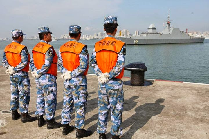 Asian Defence News: Singapore Navy Frigate RSS Intrepid makes a ...