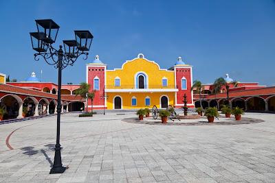 Hermosa hacienda mexicana en la riviera maya tipo colonial