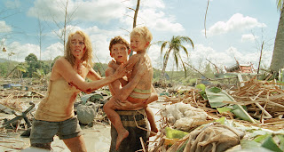 Naomi Watts y Tom Holland en 'Lo Imposible'