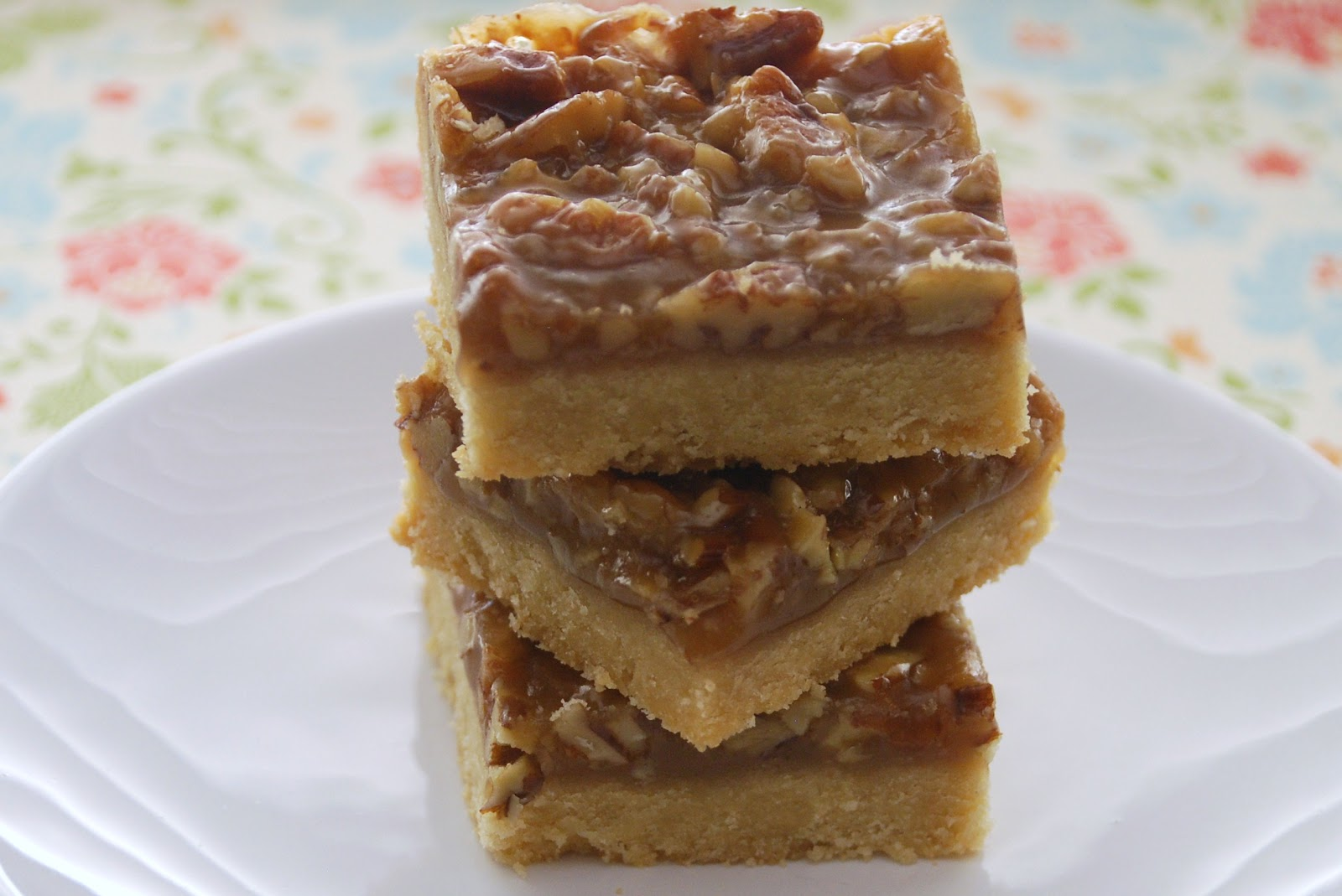 Everyday Insanity...: Pecan Pie Bars from Jill
