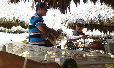 Os irritantes repentistas de praia em Fortaleza - CE