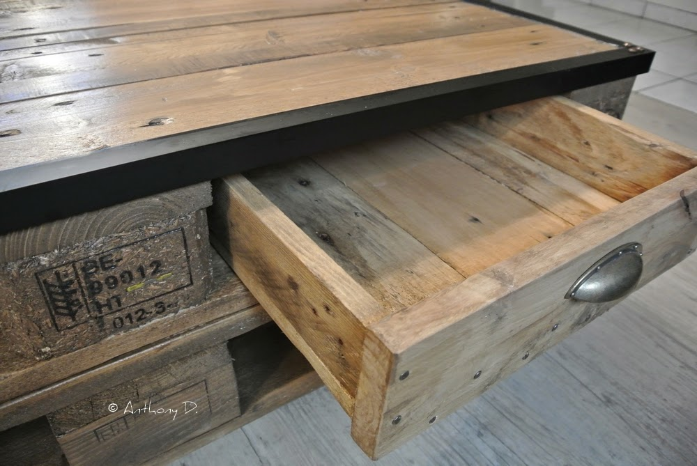 table basse en palette a faire. Black Bedroom Furniture Sets. Home Design Ideas