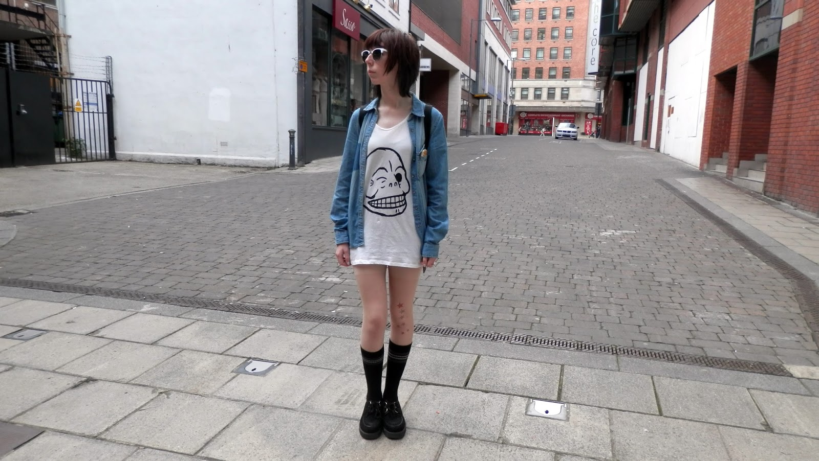 Oversized T-shirt outfit