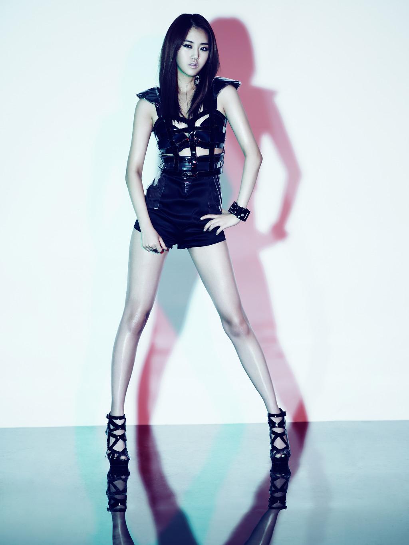 K-Pop Craze: 2NE1 & 4Minute
