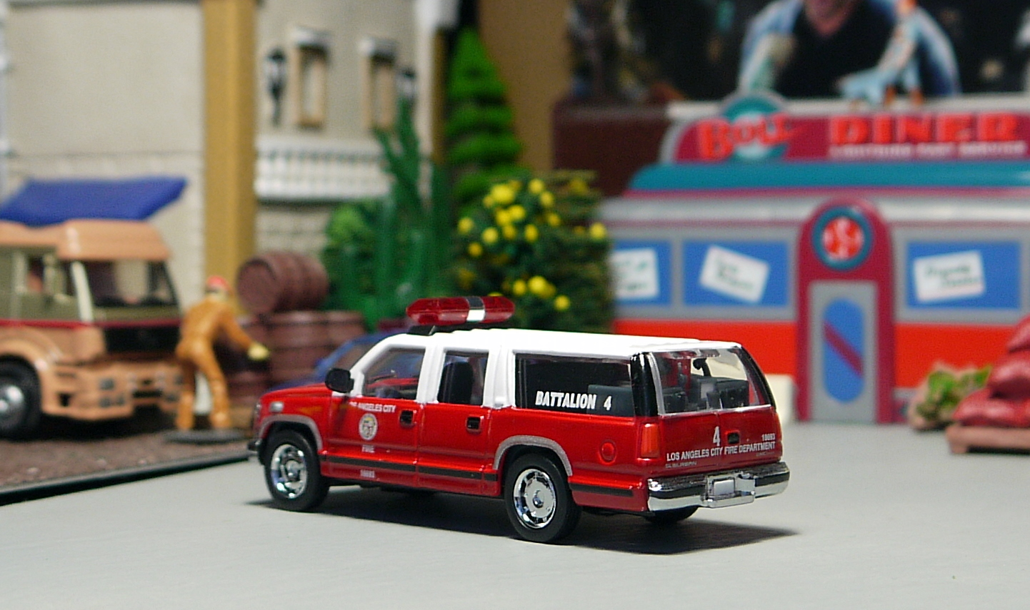 My code 3 diecast fire truck collection gmc suburban los angeles fire