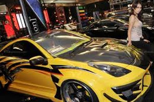 Mobil Kontes Sedan