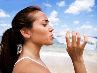 air putih, orang minum, aqua, air, putih, air bening