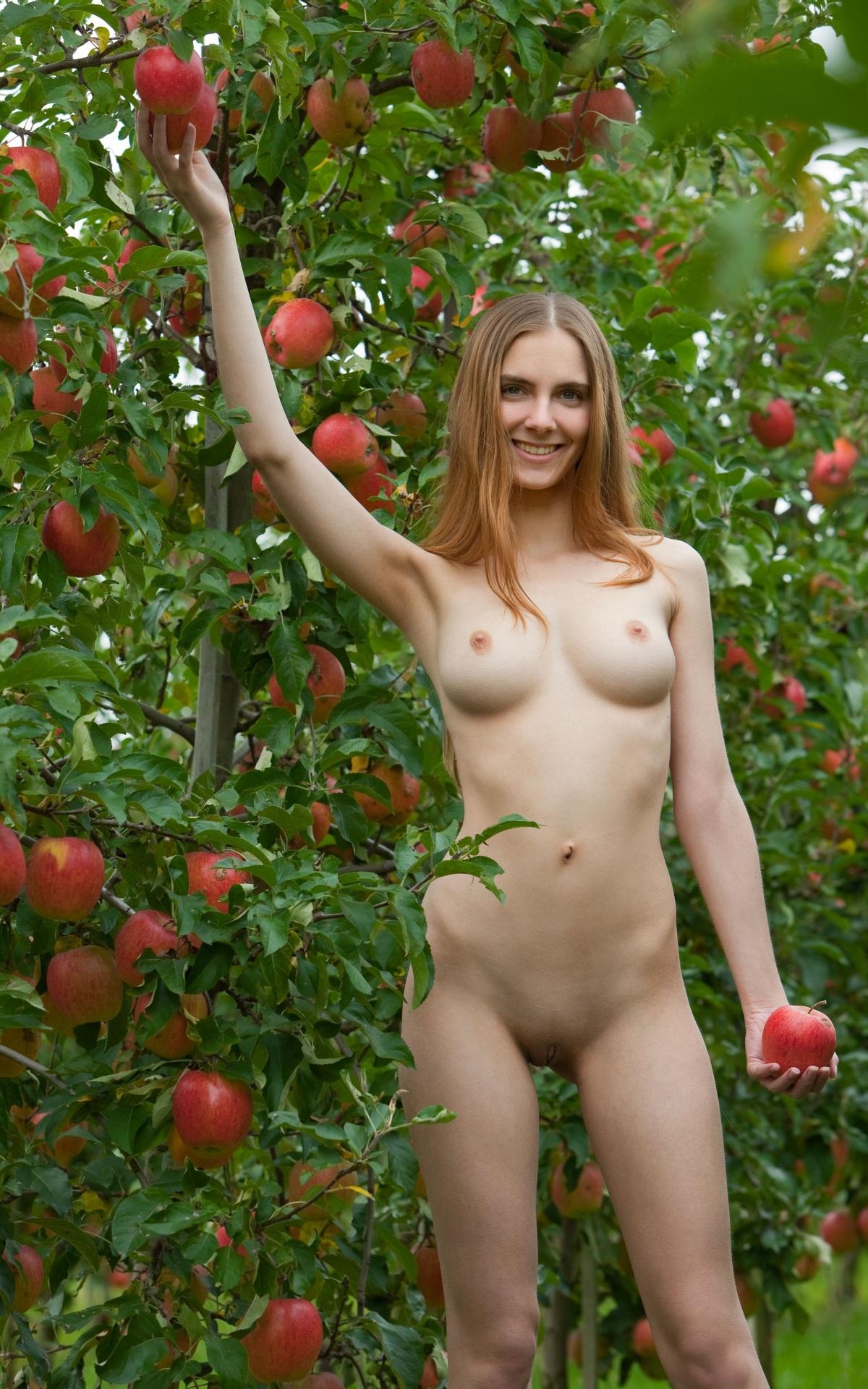 Фото порно голая лиза арзамасова 25 фотография