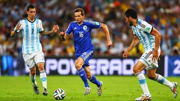 Argentina Menang Tipis atas Bosinia 2 - 1