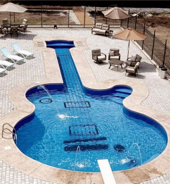 Model Kolam Renang Bentuk Gitar Unik